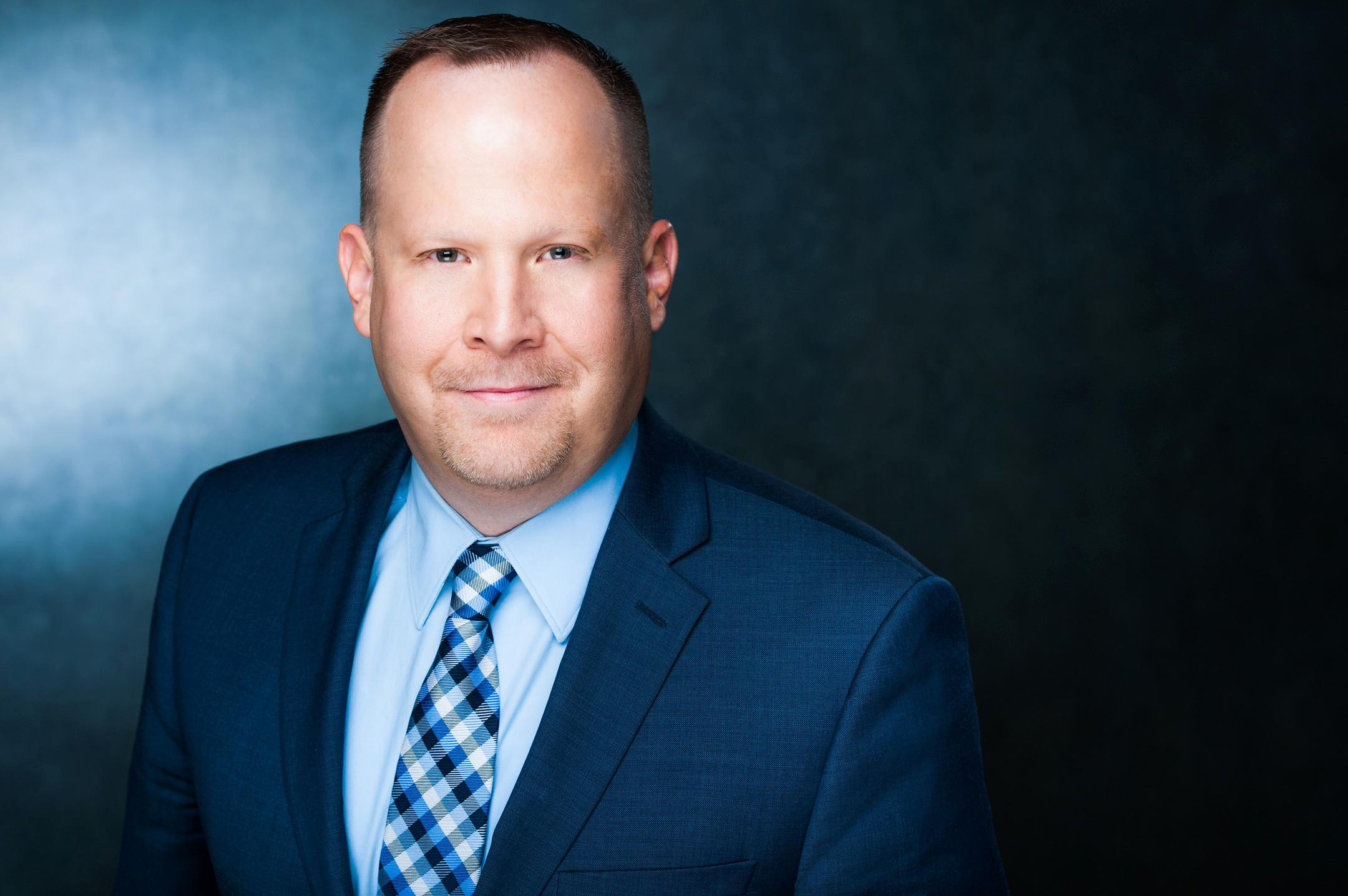 KEVIN D. LINDBLOM  Your Financial Advisor