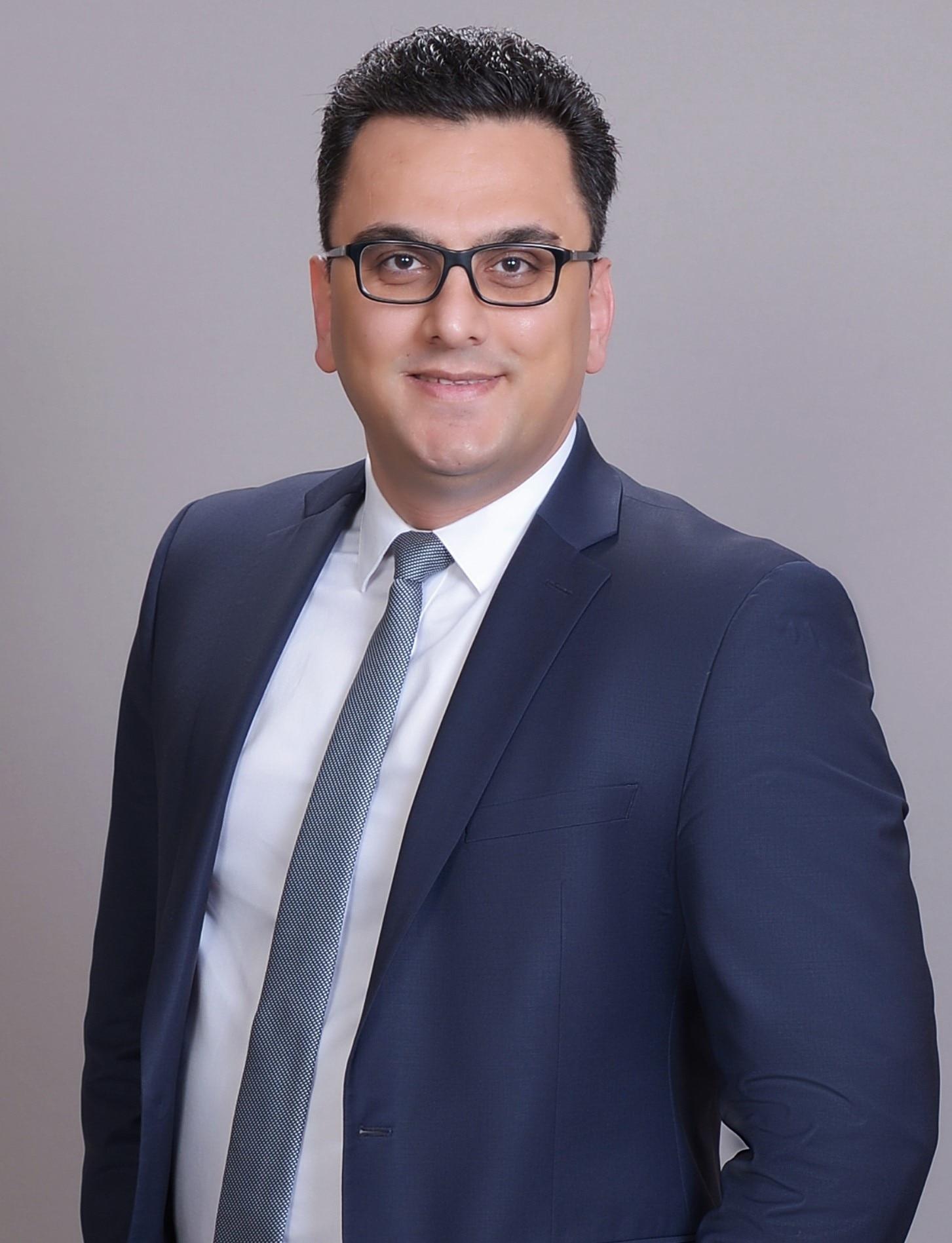 HADI AHMADI AVAL  Your Financial Advisor