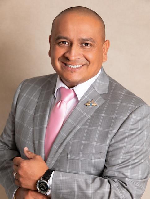 CARLOS GONZALEZ Financial Professional & Insurance Agent