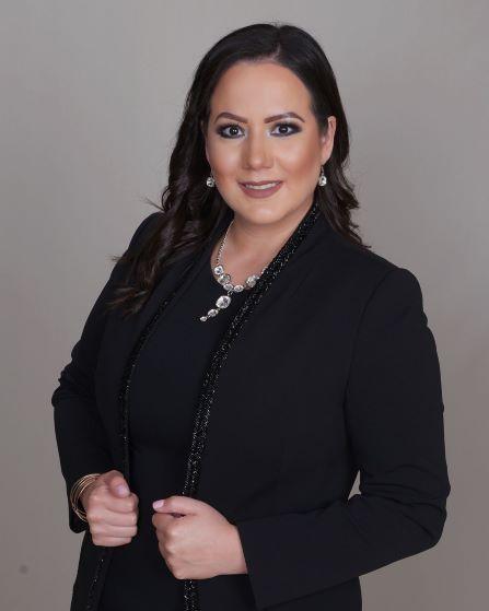 DANIELA ALEJANDRA VELARDE  Your Financial Professional & Insurance Agent