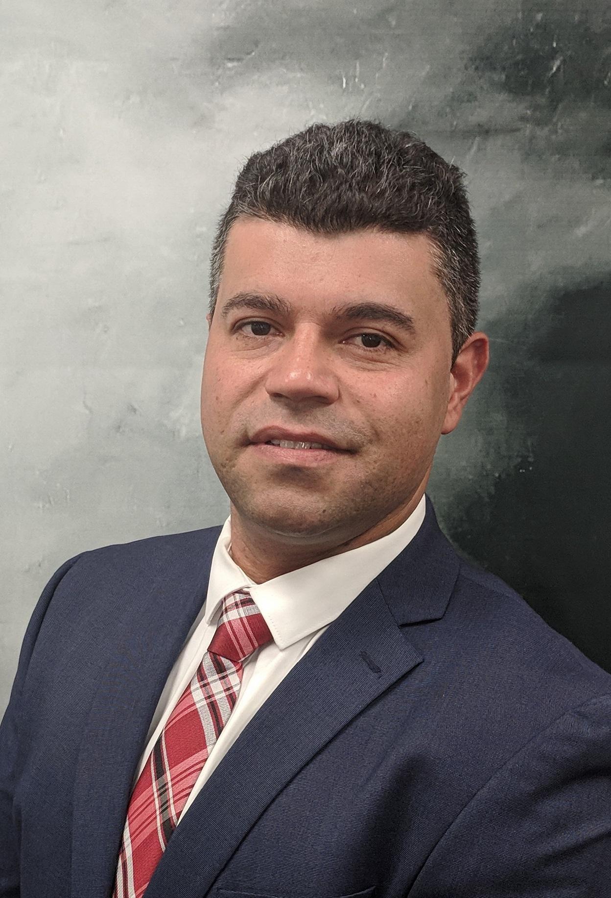LUIS FERNANDO AGUIRRE Financial Professional & Insurance Agent