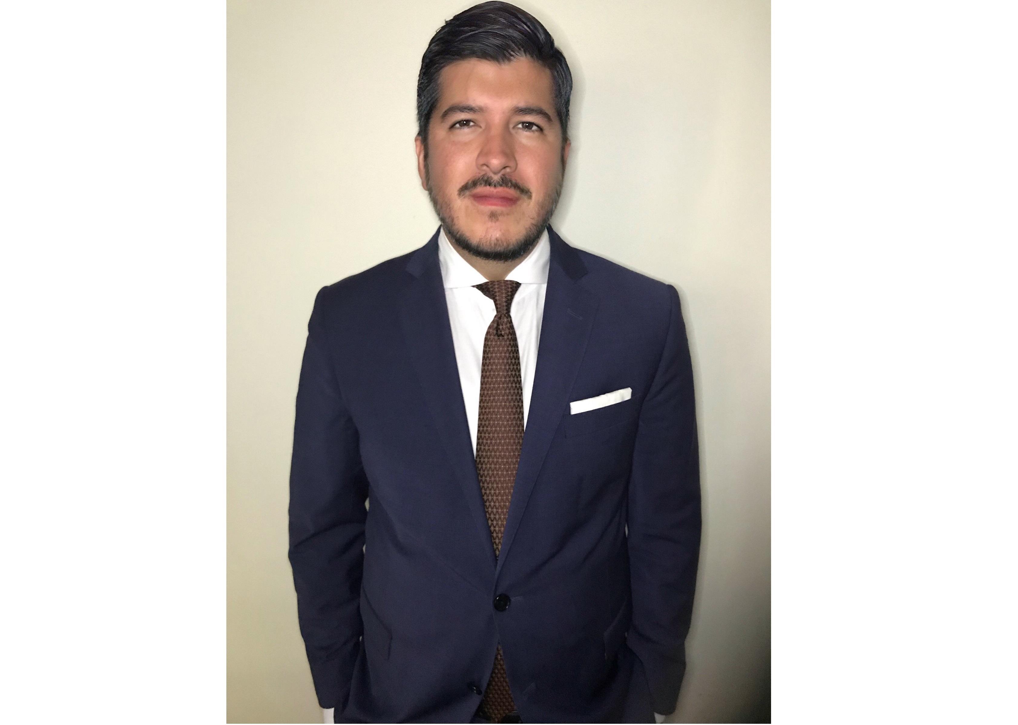 MICHAEL E. VASQUEZ SIGUENZA  Your Financial Professional & Insurance Agent