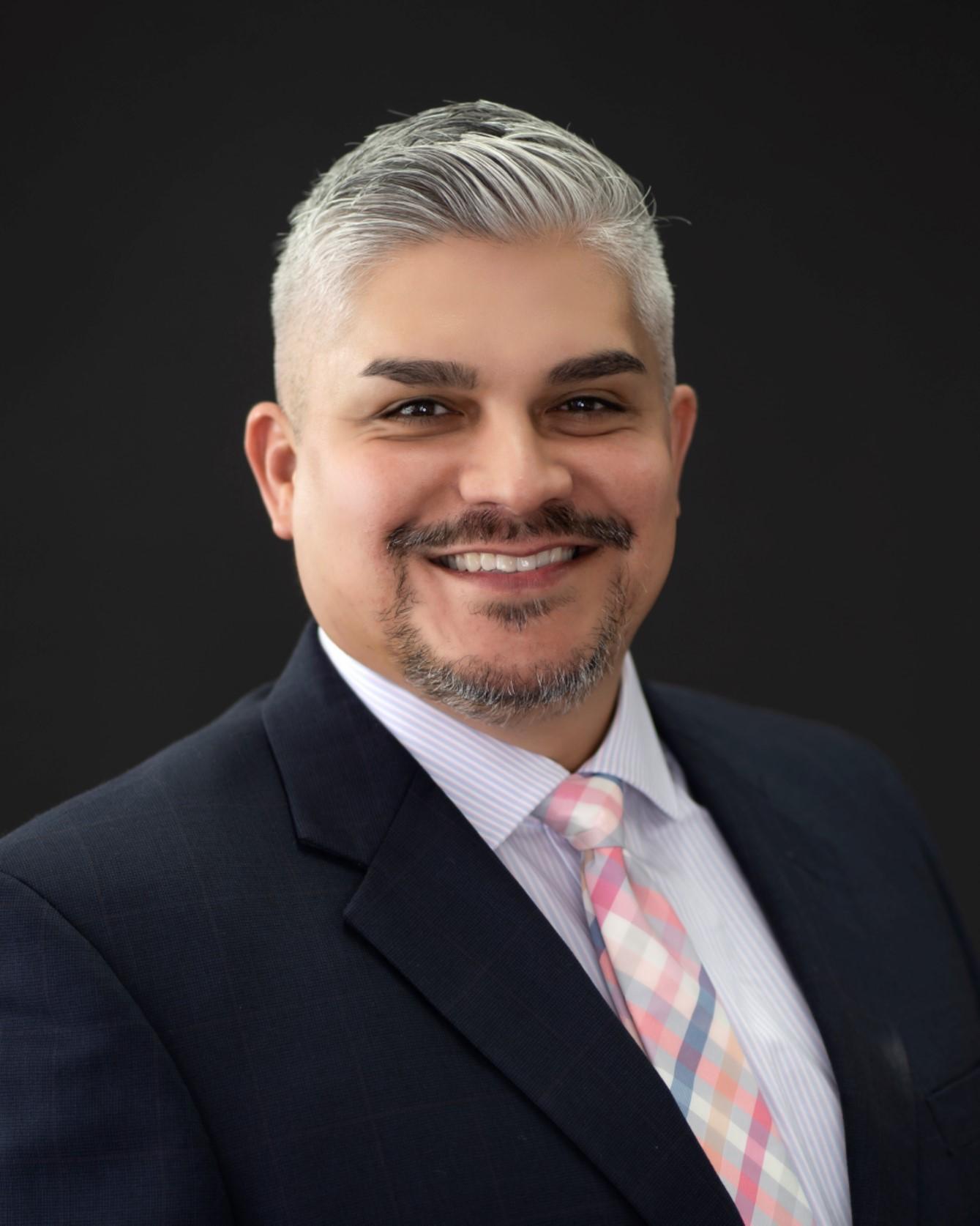 ROBERTO JAVIER VELA  Your Financial Professional & Insurance Agent