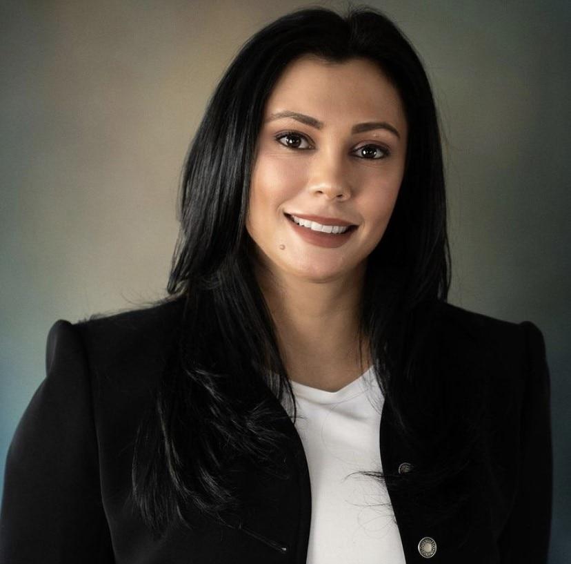 VANESSA MENDUINA  Your Financial Professional & Insurance Agent
