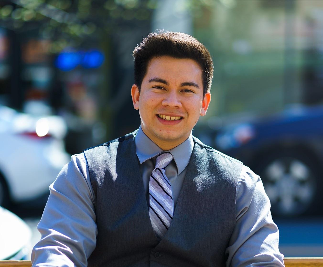 JUAN CAMILO GIRALDO SANCHEZ  Your Financial Professional & Insurance Agent