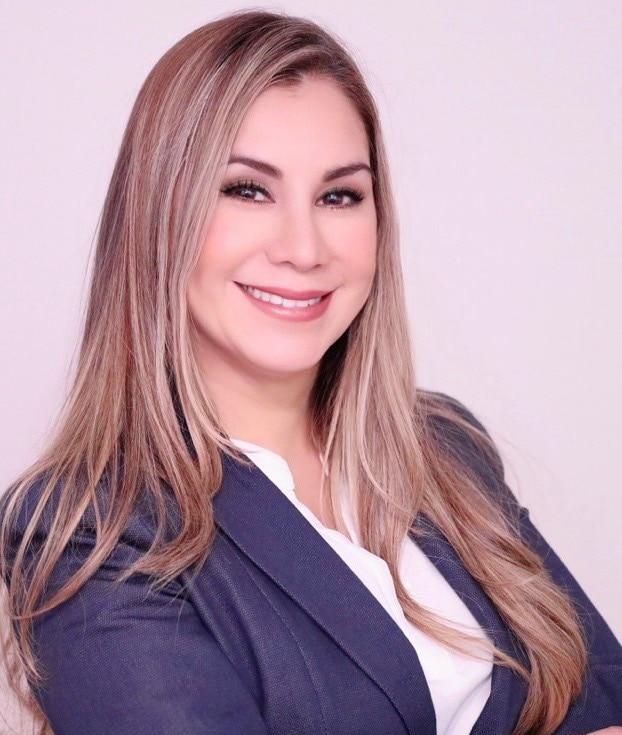 PAOLA ANDREA ARENAS LOZANO  Your Financial Professional & Insurance Agent