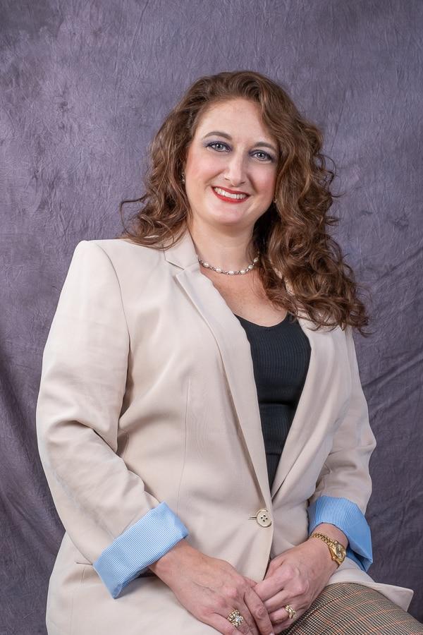 LARISSA JOANN FLORES  Your Financial Professional & Insurance Agent